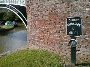 braunston, mile post, grand union