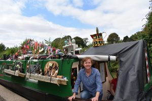 braunston, dishevelled, narrowboat, roving trader, canal art