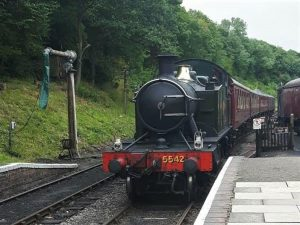 shackerstone, battlefield line, steam engine, smoke, whistle
