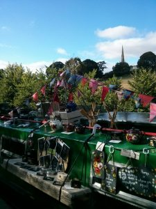 braunston, trading, bunting, roving trader, buy it off a boat, canal art, roses and castles, summer adventure