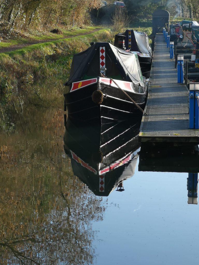 narrowboat, narrowboat mooring, marina, welford