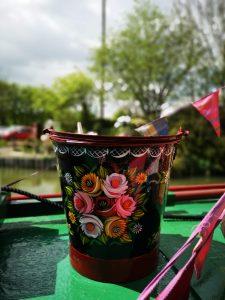 canal art bucket