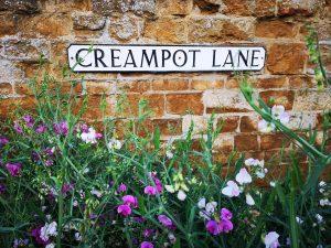 creampot lane sign